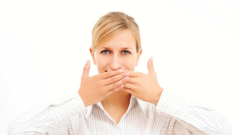Симптом кето гриппа - запах изо рта